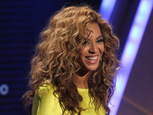 Beyonce at BET Awards 07.2012