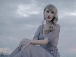 Taylor Swift in 'Begin Again' music video.