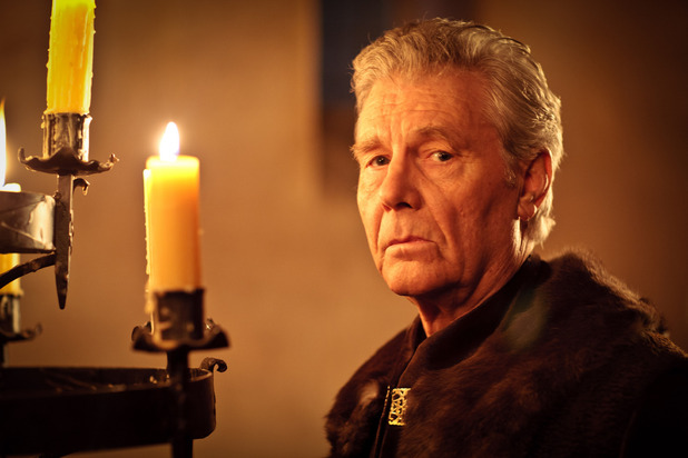 King Rodor (JAMES FOX)