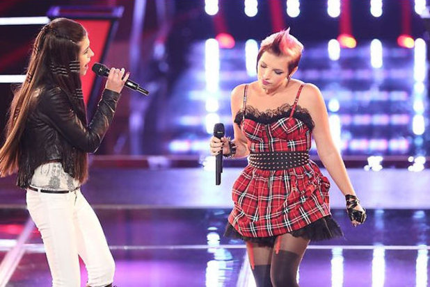 The Voice (USA) - final battle rounds: Kelly Crapa and Michaela Paige