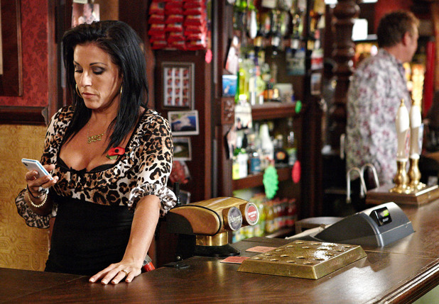 EastEnders: 4528: 2012-11-08
