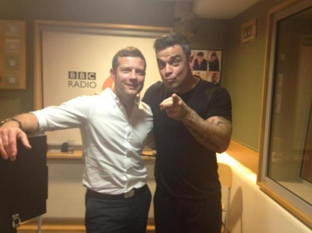 Robbie Williams, Dermot O'Leary, twitter