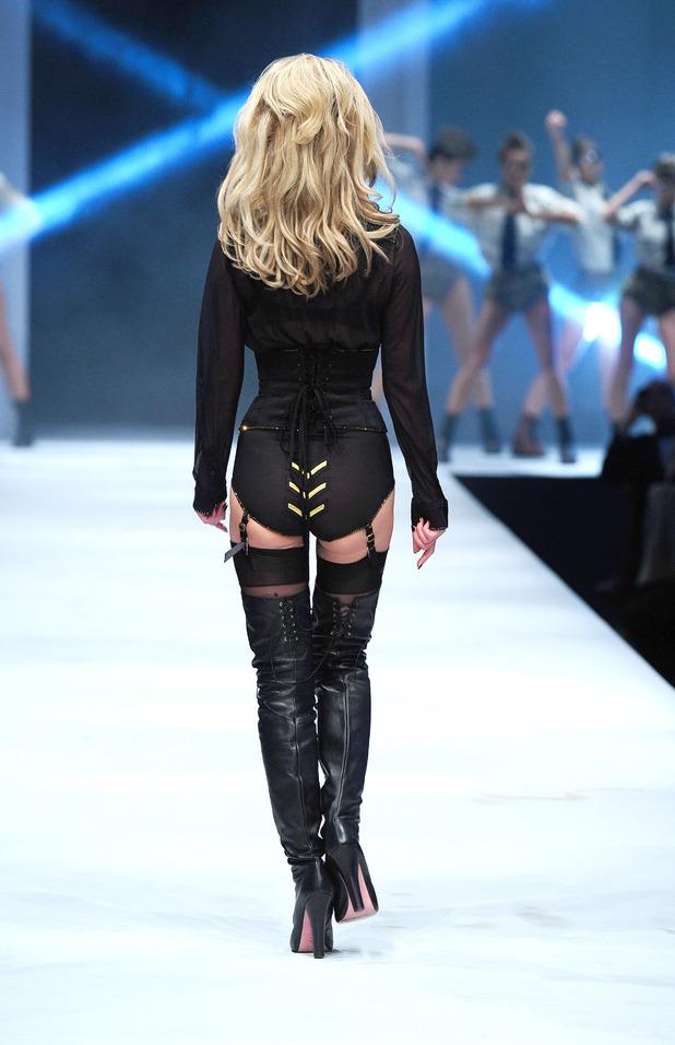 Sarah Harding, Lingerie fashion show