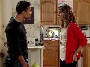 7994: Maria prepares herself to split up with Jason who's back from working away