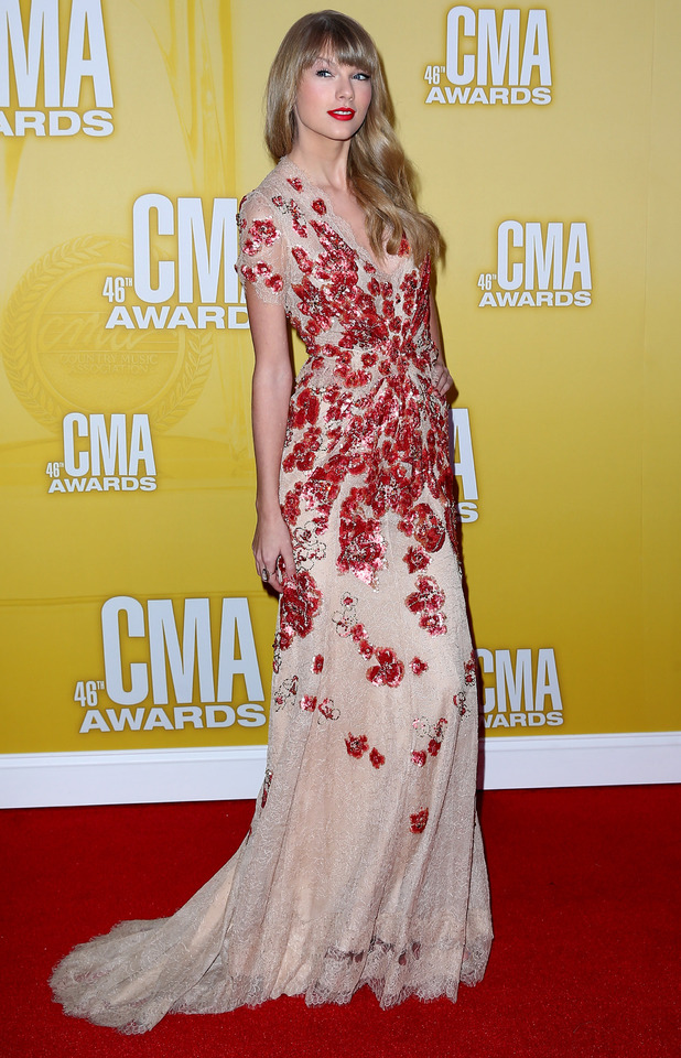 46th Annual CMA Awards: Red Carpet