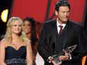 The singer becomes tearful after winning 'Song of the Year' with Blake Shelton.