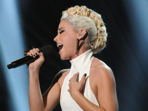 The X Factor USA: CeCe Frey in the sing-off
