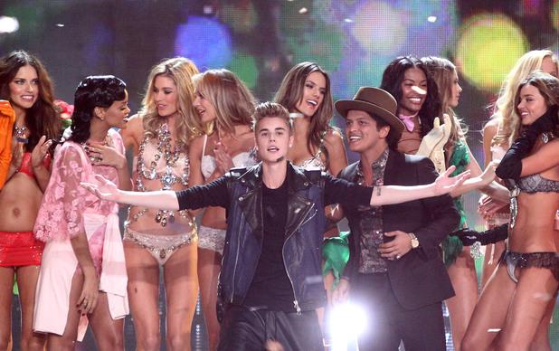 Adriana Lima,Justin Bieber, Bruno Mars,Rihanna, Doutzen Kroes, Miranda Kerr, Alessandra Ambrosio