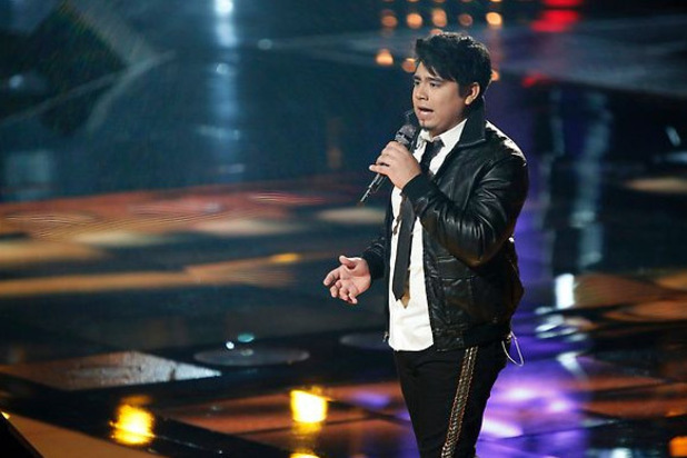 The Voice Live Playoffs Part 1: Julio Cesar Castillo