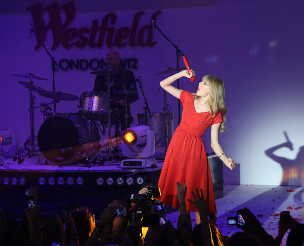 Taylor Swift switches on the Christmas lights at Westfield shopping centre
