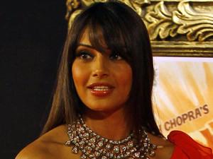 'Jab Tak Hain Jaan' premiere in Mumbai, India: Bipasha Basu