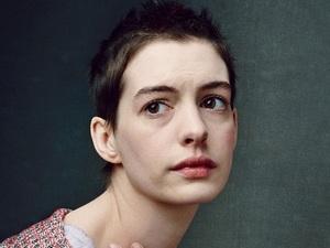 'Les Misérables' promotional pictures: Anne Hathaway
