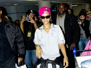 Rihanna arrives at Toronto International Airport, Toronto, Canada - 15 Nov 2012