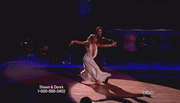 Dancing WIth The Stars S15E14: Shawn Johnson and Derek Hough 
