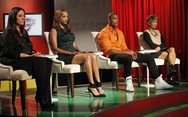 America's Next Top Model S19E11 - 'The Girl Who Freaks Out On Horseback': Kelly Cutrone, Tyra Banks, Rob Evans and Bryanboy