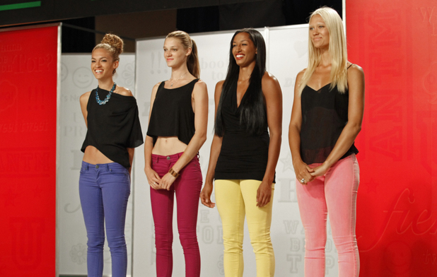America's Next Top Model S19E11 - 'The Girl Who Freaks Out On Horseback': Nastasia, Leila, Kiara and Laura