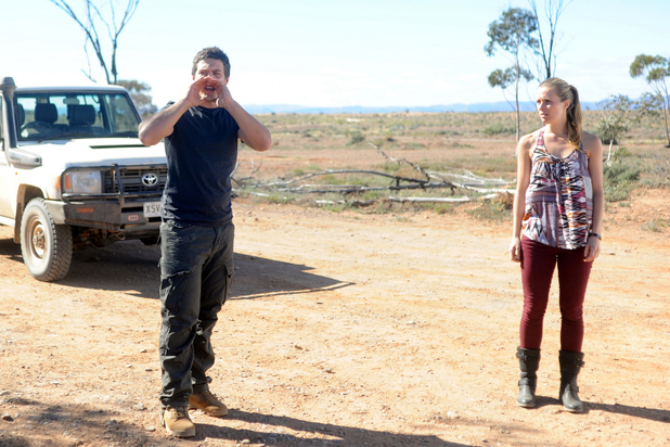 Brax and Natalie arrive in the desert to hunt for Casey.