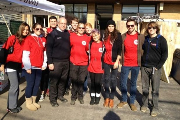 Kelly Osbourne volunteers with the Salvation Army for Hurricane Sandy