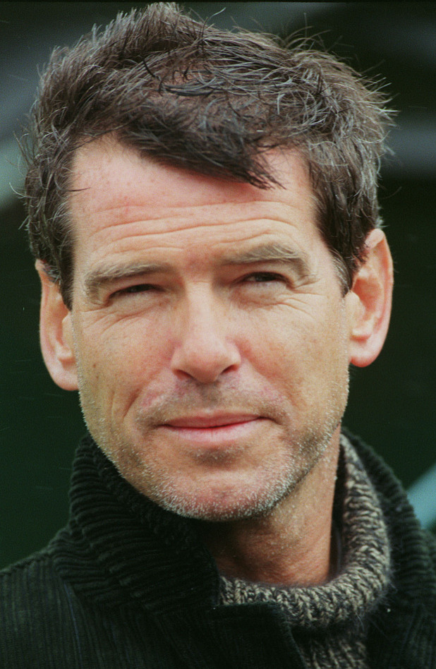 Pierce Brosnan, 2001
