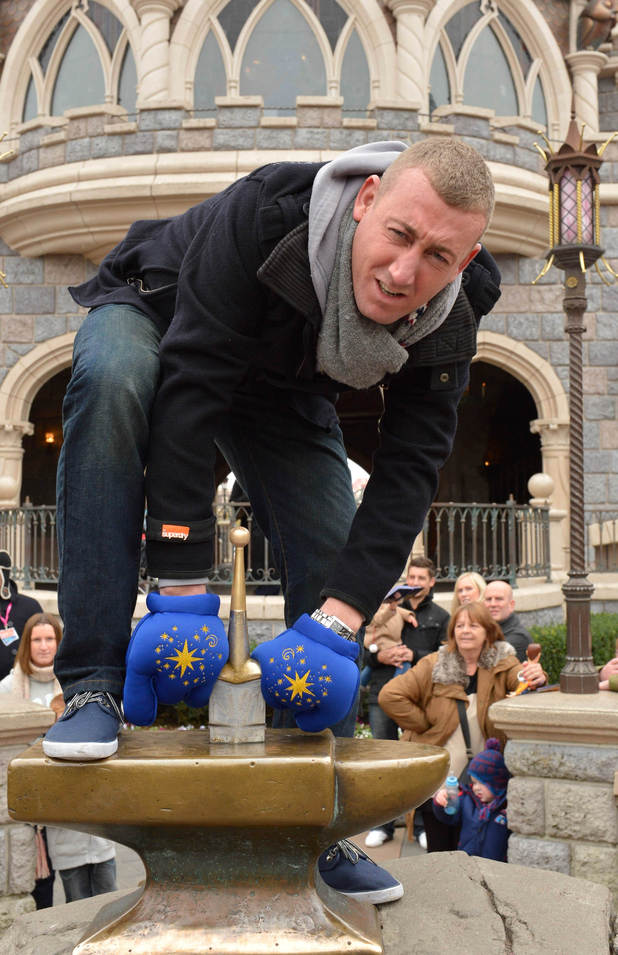 Chris Maloney, Disneyland Paris