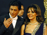 'Jab Tak Hain Jaan' premiere in Mumbai, India: Shah Rukh Khan and wife Gauri Khan