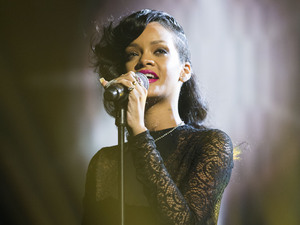 The X Factor Results Show: Rihanna performs.