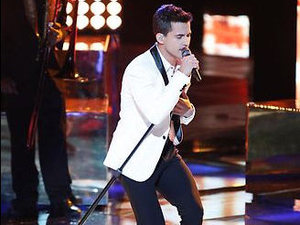 The Voice USA (Season 3, Episode 19) Live shows: Dez Duron