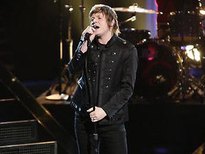 The Voice USA (Season 3, Episode 19) Live shows: Tyler McDermott