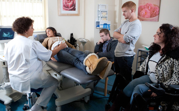 8008: Tommy arrives just in time to support Tina at the scan but finds it difficult to bear Gary and Izzy's cooing over the image