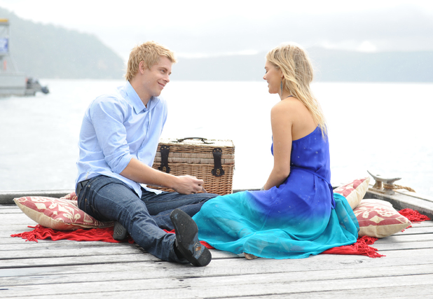 Home and Away: 5624: 2012-12-06