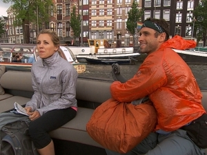 The Amazing Race ('fishy kiss') - Abbie and Ryan
