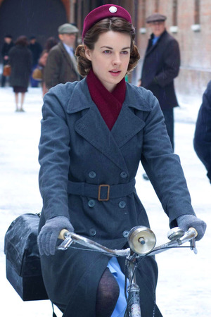 'Call The Midwife' Christmas Special: Jenny Lee (JESSICA RAINE)