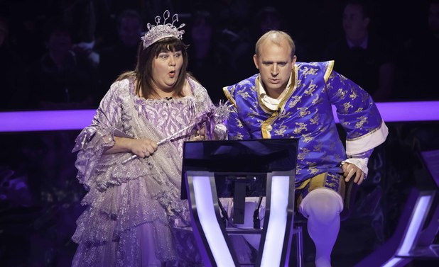 Who Wants To Be A Millionare? Pantomime special: Tim Vine and Cheryl Fergison