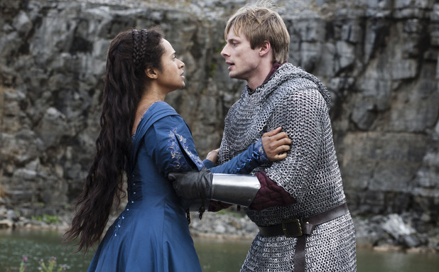 Merlin S05E09 - &#39;With All My Heart&#39;: King Arthur Pendragon (Bradley James), Gwen (ANGEL COULBY)