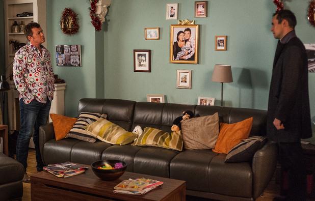 EastEnders: 4548: 2012-12-14