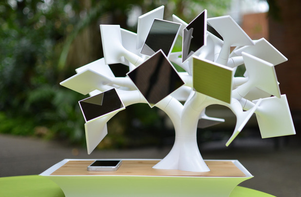 electree+, the electric bonsaï tree that can charge your iPhone