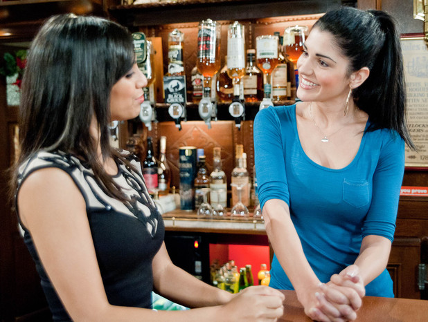 6426: Alicia gets her old job back at the pub after a guilty Priya persuaded Bernice. However, Priya is concerned Alicia seems so secure over David