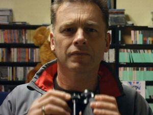 Chris Packham supports The Badger Trust