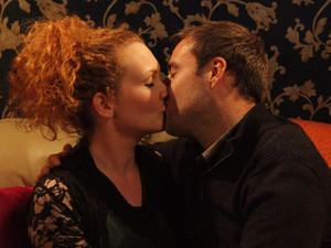 8019: Fiz visits Tyrone on his birthday and the pair share a kiss