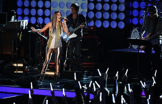 The Voice Season 3 - Top 6 perform live: Cassadee Pope