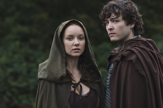 Merlin S05E11 - 'The Drawing of the Dark: Kara (ALEXANDRA DOWLING), Mordred (ALEX VLAHOS)