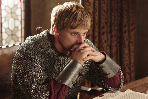 Merlin S05E11 - &#39;The Drawing of the Dark&#39;: King Arthur Pendragon (Bradley James)