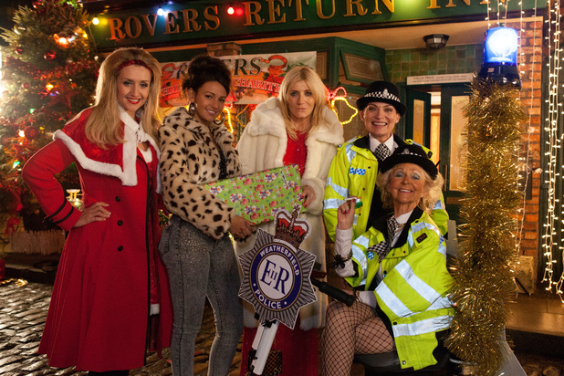 Catherine Tyldesley, Michelle Keegan, Michelle Collins, Lorraine Kelly and Sheila Reid in A Christmas Corrie