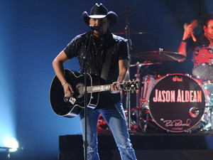 Jason Aldean performs at the 2012 American Country Awards at Mandalay Bay Resort and Casino