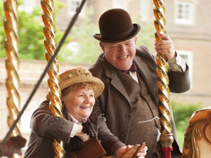 Downton Abbey - Christmas Special 2012: JOHN HENSHAW as Jos Tufton and LESLEY NICOL as Mrs Patmore
