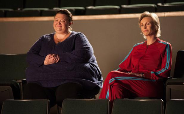 Glee S04E10: 'Glee, Actually'