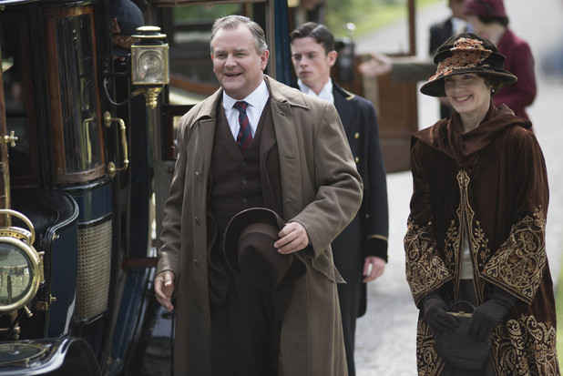 Downton Abbey - Christmas Special 2012:  HUGH BONNEVILLE as Lord Grantham and ELIZABETH MCGOVERN as Lady Cora