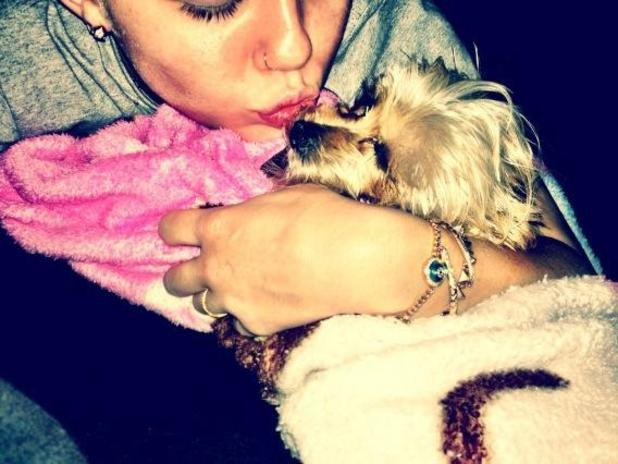 Miley Cyrus mourns the death of her dog Lila