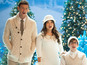 'Glee' gets into Christmas spirit