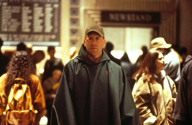 'Unbreakable' (2000) still